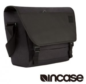 4. INCASE Compass Messenger 15吋 時尚拼接筆電郵差包
