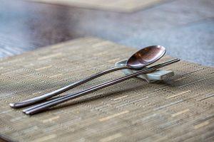 筷架的長度,取決於想要放置的餐具數量