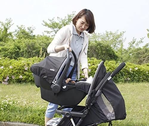 安全座椅結合嬰兒推車的款式:能直接移動不驚動寶寶