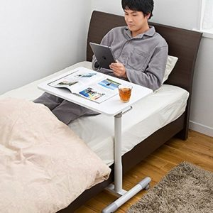 能充當簡易床頭櫃使用的兩用型