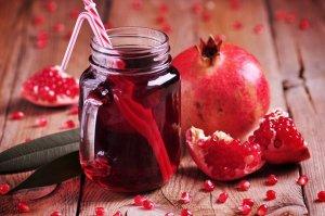 「含果汁飲料」:帶有石榴的果香,清爽又舒暢
