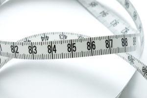 務必事前測量放置地點的尺寸